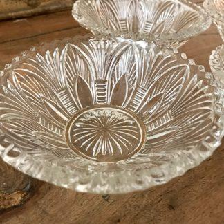 Coupelles en verre taillé vintage