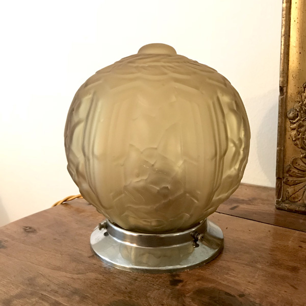 lampe globe ann es 30 brocante et d co chic. Black Bedroom Furniture Sets. Home Design Ideas
