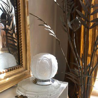 lampe globe Art Déco, globe en verre dépoli blanc au décor de fleurs