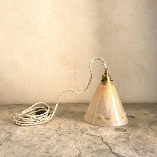 lampe baladeuse, tulipe en forme de cône