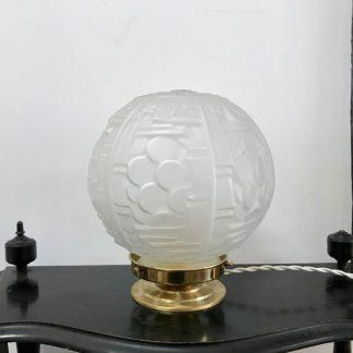 lampe-globe-art-deco-decors-geometriques-1