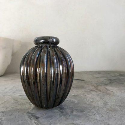Vase en verre Murano irisé noir