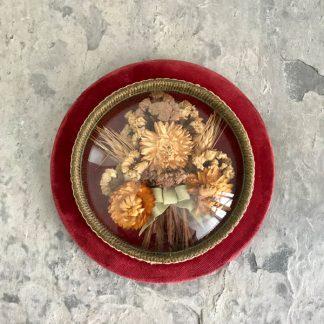 cadre-verre-bombe-fleurs-sechees-rouge-1