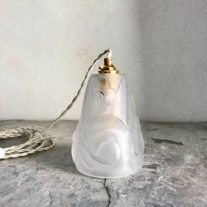 Lampe baladeuse Art Déco signé Degué, décor de fleurs