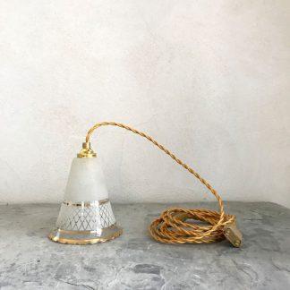 lampe-baladeuse-cone-verre-blanc-givre-dore-1