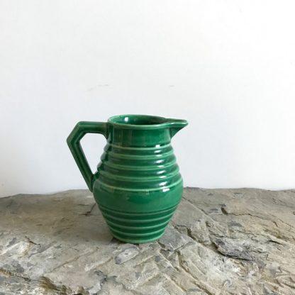 Pichet en céramique vert