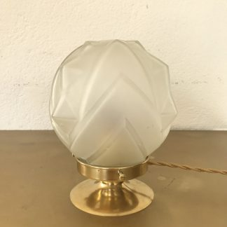 lampe-globe-art-deco-pointes-geometriques-2
