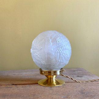lampe-globe-art-deco-feuille-houx-1