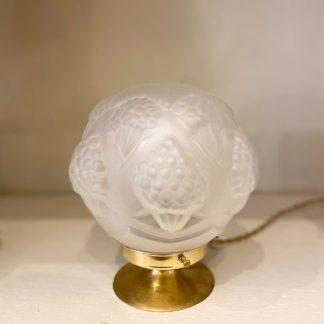 lampe-globe-art-deco-cornets-perles-3