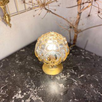 lampe-globe-perles-fleurs-ambre-moule-dore-2