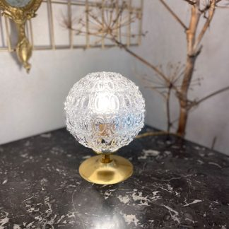 lampe-globe-godrons-perles-verre-moule-dore-1
