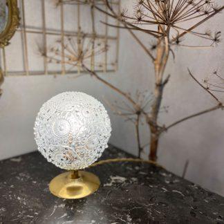 lampe-globe-perles-rosaces-verre-moule-dore-1